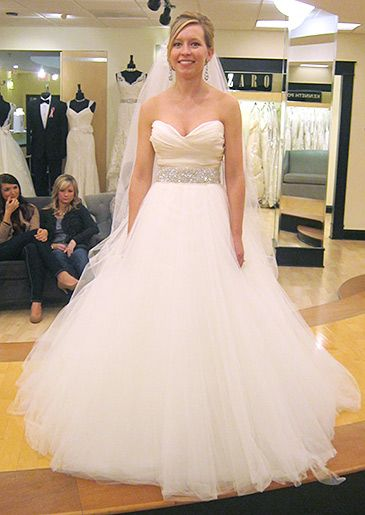 1000  images about Wedding Dresses&lt3 on Pinterest  Yes to the ...