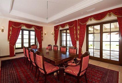 Villa for Sale in Marbella   R132909