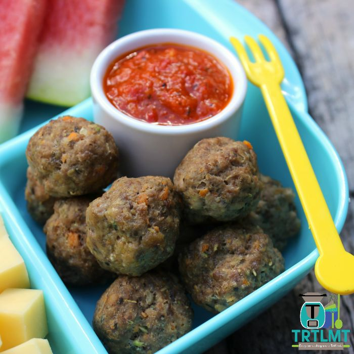 Join us  These delicious Mini Meatballs with Roasted capsicum Sauce comes from our recent #freezertolunchbox challenge. This challenge happens every school holidays.