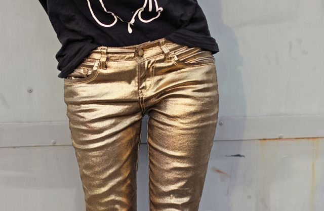 Gold spray paint - I wish I wasn't serious. DIY INSPO: METALLIC GOLD JEANS « a pair & a spare