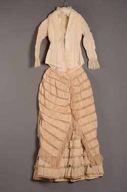 Tweedelige jurk bestaande uit lijfje en rok (1878) Batist; kant. 4469/001-002