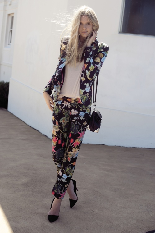 : Floral Prints, Floral Suits, Fashion Style, Botanical Prints, Jessica Stein, Street Style, Flowers Power, Floral Pants, Pants Suits