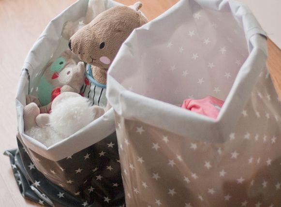 Tuto kids : des sacs en toile cirée pour ranger la chambre d'enfant