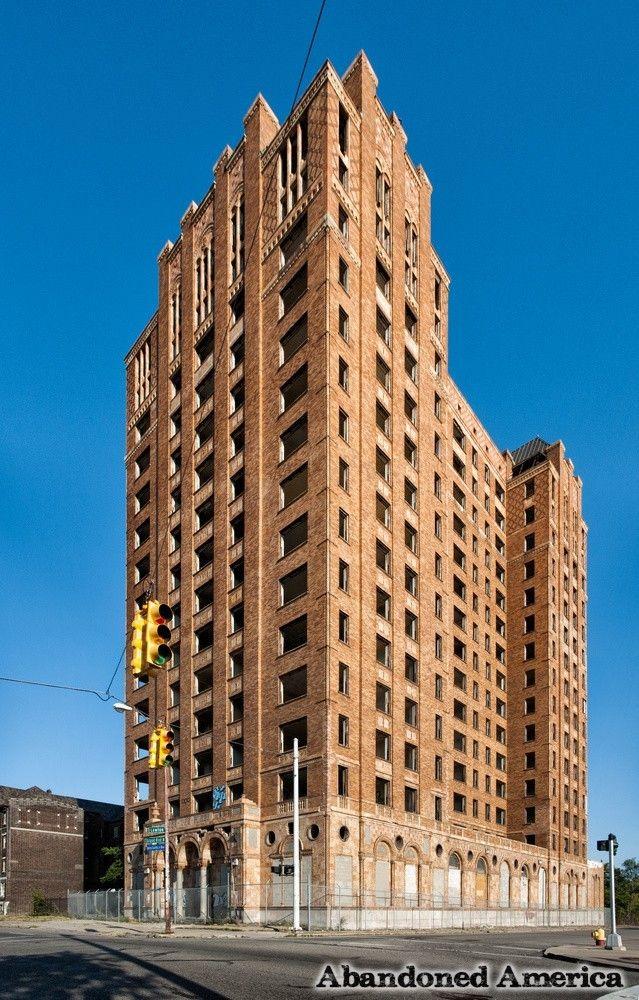 Detroit's Lee Plaza Hotel   Abandoned America