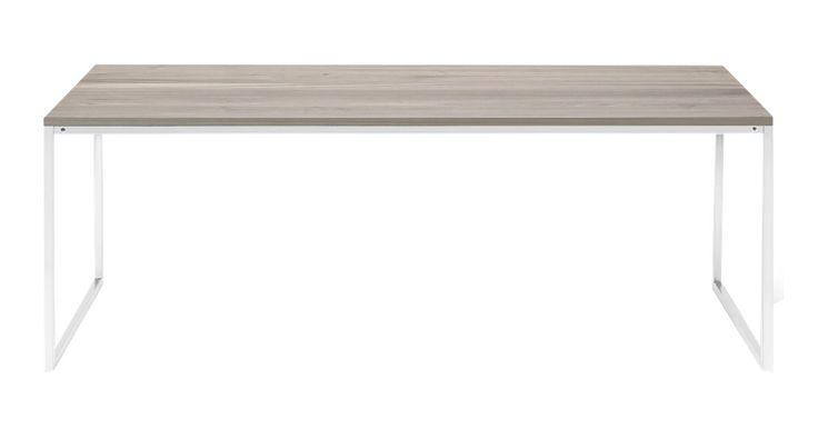 Vis os den sofa, som Como ikke passer til! Enkelhed og elegance og et hav af forskellige materialer og størrelser giver det perfekte sofabord med en attraktiv kombination af skandinavisk design og dansk håndværk. Værsgo at vælge et – eller to – eller tre måske? Como laves med bordplade i forskellige organiske materialer såsom massiv eg, valnød, laminat og glas – og endnu flere fantastiske materialer såsom hvid eller grøn marmor eller beton. Det sværeste er faktisk at vælge fra.