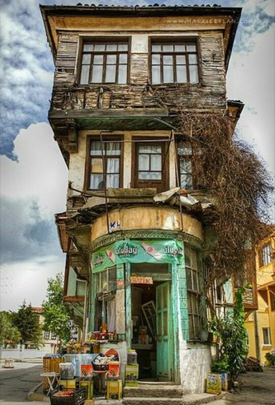Borja: fachada tienda de alimentación