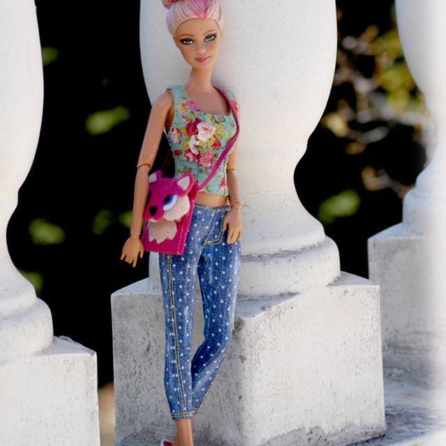Penélope #jswdolls #doll #ooak #ooakdoll #ooakdollrepaint #repaint #repaintdolls #dollphoto #fashiondoll #mattel #barbie #barbiedoll #barbieplayline #pinkhair #pinkhairdoll