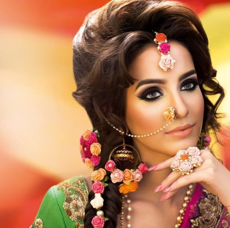 Mehndi Bride Makeup : Delicate mehndi bridal makeup pinterest