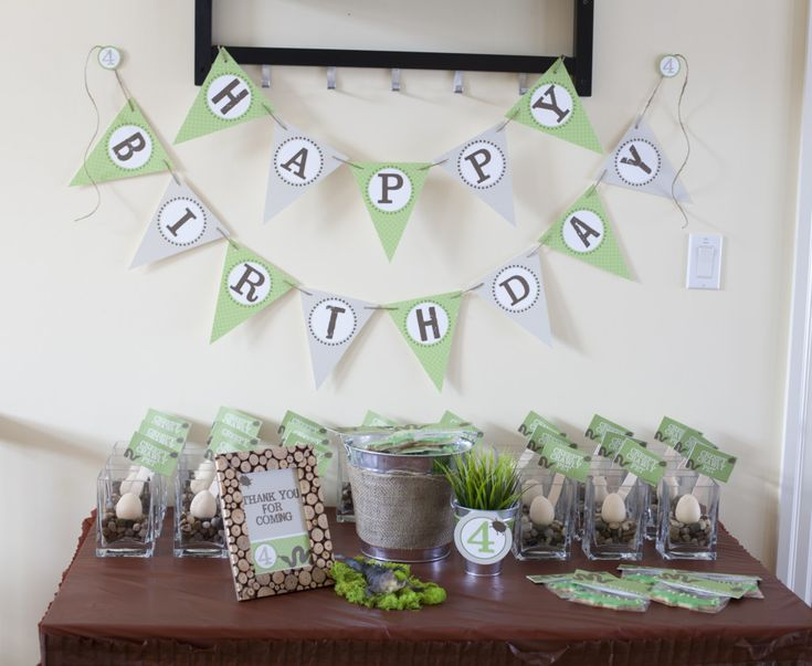 Creepy Crawly Birthday Party - see more great party idea at projectnursery.com!Crawly Birthday, 4Th Birthday, Crawly Bugs, B S Birthday, Birthday Parties, Creepy Crawly, Parties Ideas, Crawly 4Th, Birthday Ideas