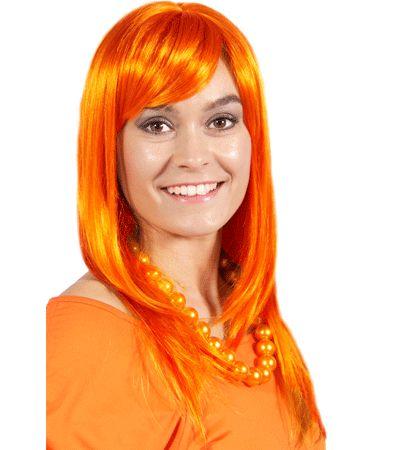 Oranje dames pruik met lang haar. Dames pruik met lang stijl haar, in laagjes geknipt en een schuine pony. Deze fel oranje damespruik is een ideale pruik voor bijvoorbeeld koningsdag.