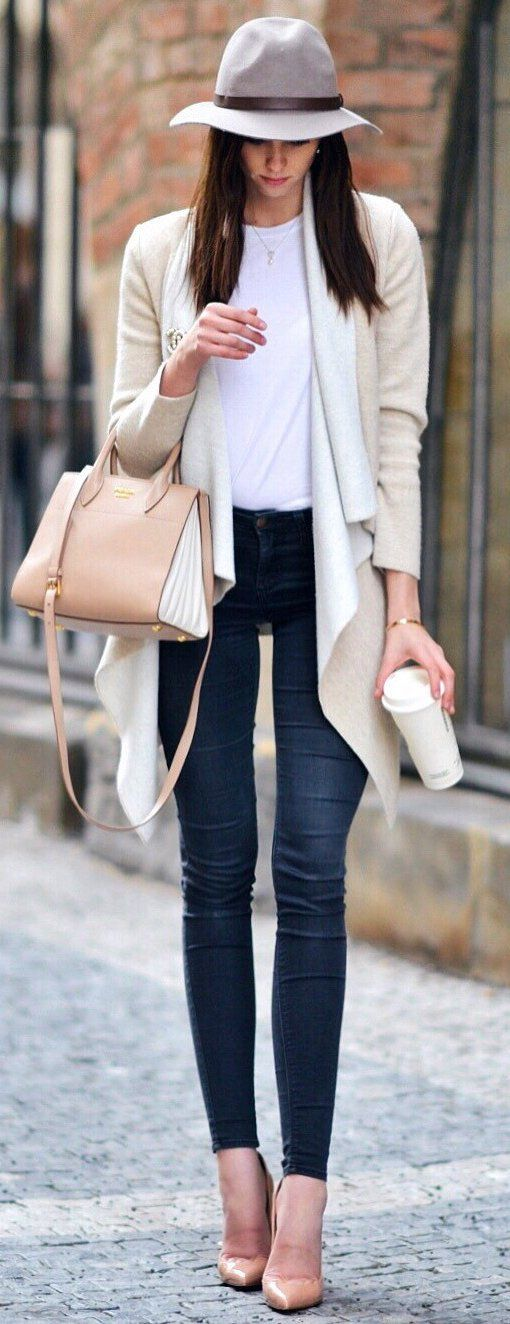 #spring #outfits Fav Look ☕️ Ivory Cardigan & Navy Skinny Jeans & Grey Hat