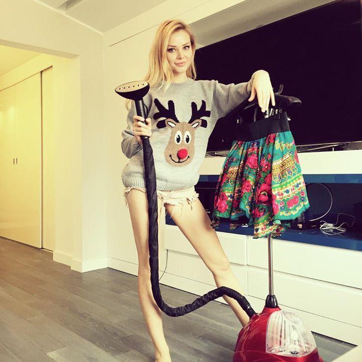 Ola Ciupa with SteaMaster! #steamaster #steamer #red #ironing #iron #olaciupa #ciupa #celebrities #star #lifestyle