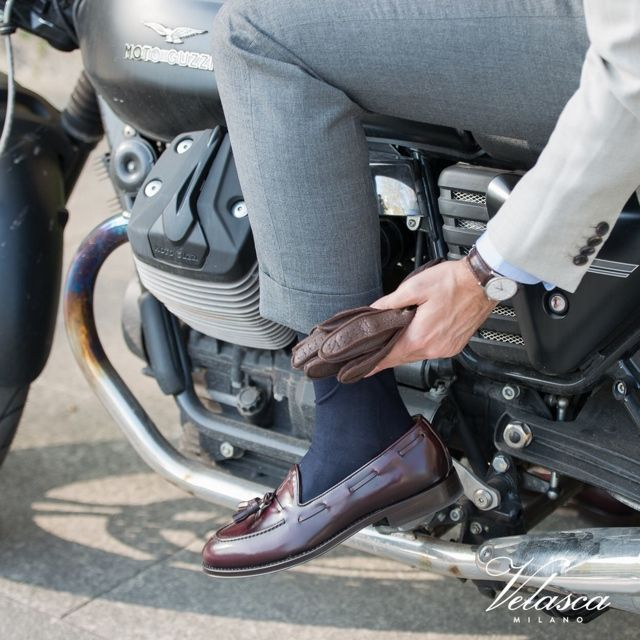 """""""Set your goals high, and don't stop till you get there.""""  Bo Jackson  Cavadent, our #tassel loafers in burgundy leather available online at www.velasca.com. Link in profile to #shop.  #velascamilano #velascadudes  #madeinitaly #shoes #shoesoftheday #shoesph #shoestagram #shoe #fashionable #mensfashion #menswear #gentlemen #mensshoes #shoegame #style #fashion #dapper #men #shoesforsale #shoesaddict #sprezzatura #dappermen #craftsmanship #handmade #thebespokedudes #tassel #tasselloafers"""