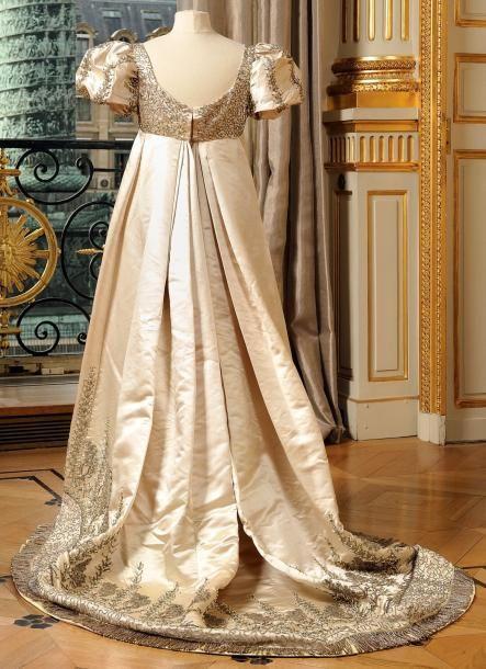 Bijouterie du Spectacle: Une robe de l'impératrice Joséphine vendues aux enchères