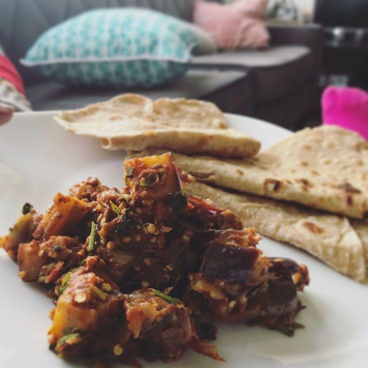 Damn son! That baigan be bangin'! Nothing beats eggplant sabji with some homemade chapati