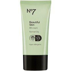 Boots No7 Beautiful Skin Normal/Oily BB Cream. Boots No7 Beautiful Skin Normal/Oily BB Cream  Denna BB kräm innehåller en unik multivitamin- och mineral-blandning som återfuktar samt zink som normaliserar talg-produktionen. Ett enkelt steg som ger en synligt felfri, hälsosam hy en vacker naturlig look.    Passar normal till oljig hy.  Olje-fri.  Hypoallergenisk.  UVA-& UVB-skydd.  SPF 15.  Innehåll: 40 ml