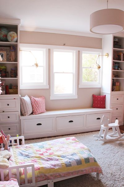 17 best images about window seat on pinterest decorative for Window side seating