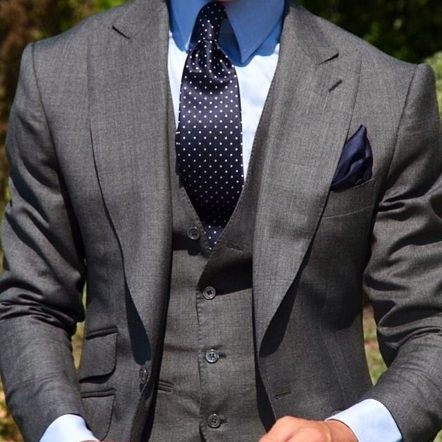 love suits so much that we dedicate this board to incredible styles and… Der Gentleman, Gentleman Style, Sharp Dressed Man, Well Dressed Men, Mens Fashion Suits, Mens Suits, Male Fashion, Style Masculin, Mode Costume