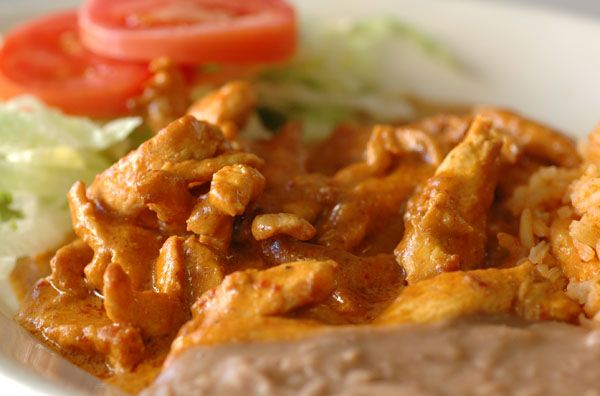 Deliciosa y riquísima receta de pechuga de pollo con chile chipotle.