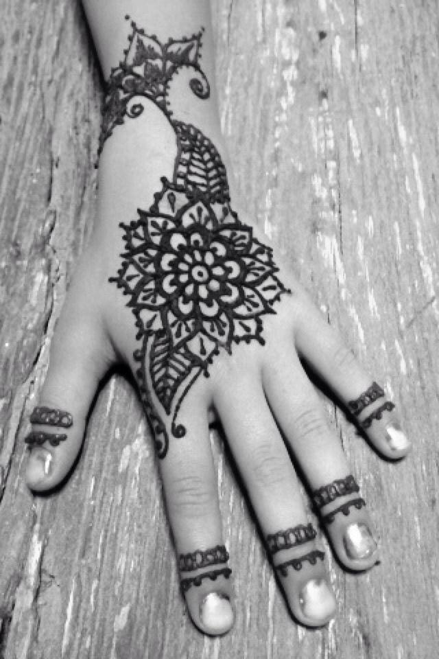 Henna - Becky's  ✨