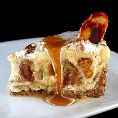 Caramelized Banana Pudding Cheesecake with Salted Cashew Praline – Vanilla Wafer Crust.http://coolestrecipes.com/caramelized-banana-pudding-cheesecake