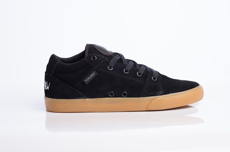 Tênis Forward Footwear modelo Serra V2 cor preto.