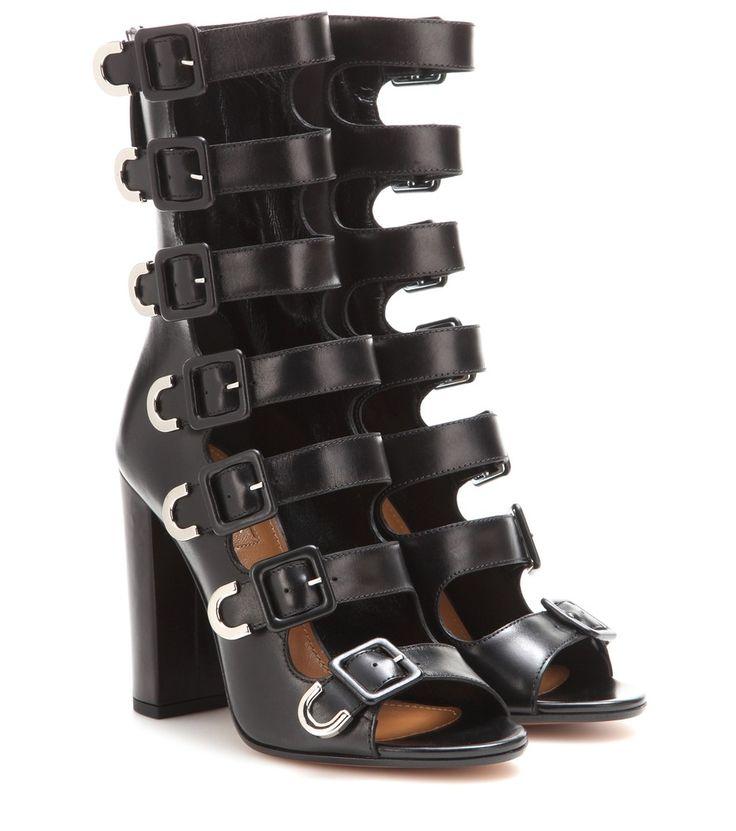 Aquazzura - Sandales en cuir à talons Tutto Buckle - Confectionnées en cuir noir, ces sandales Aquazurra sublimeront votre démarche. Elles s'accorderont à la plupart de vos tenues automnales, qu'elles soient décontractées ou formelles. seen @ www.mytheresa.com