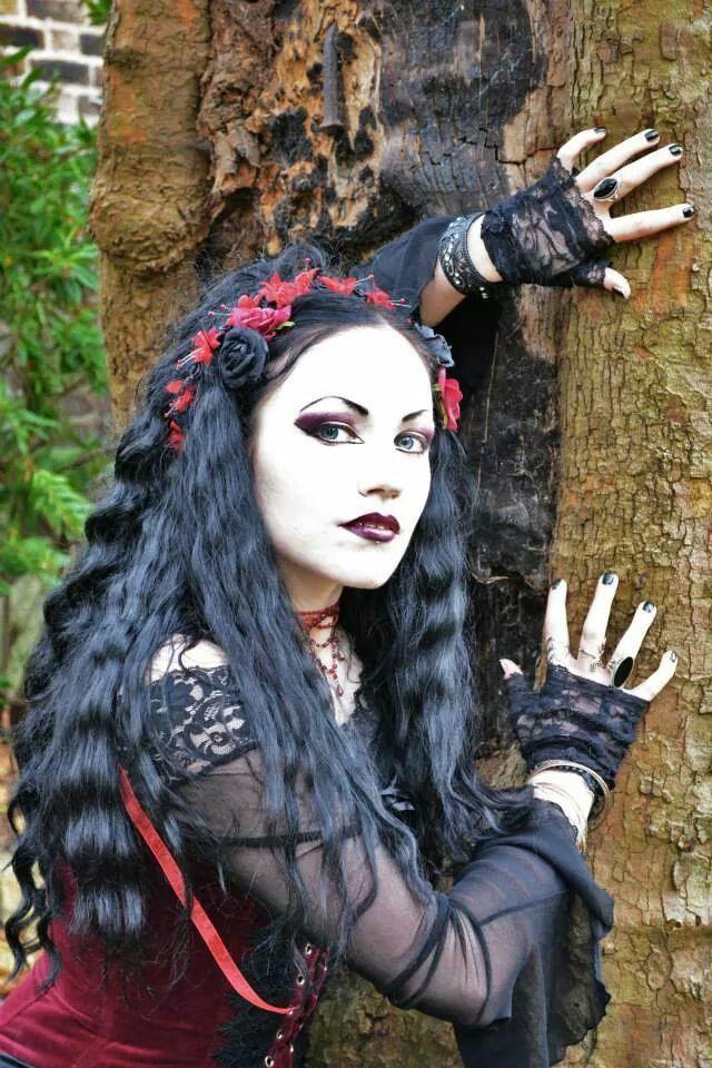 <3 Beautiful <3 Gothic model <3 Ella Amethyst