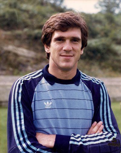 ¿Cuánto mide Luis Miguel Arconada? Fee197709d4f0842c8be0f9f5ef9daec--football-soccer-luis