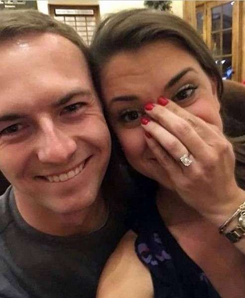 Jordan Spieth and his girlfriend Annie Verret pictures,officially announce their engagement