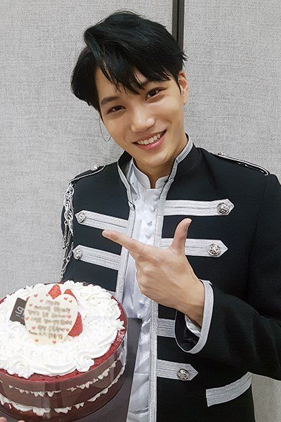 [TRANS] 170201 EXO-L Official Fanclub Staff Diary: 170115 KAI ☆ HAPPY BIRTHDAY PARTY~!! - EXOdicted - EXO Fansite