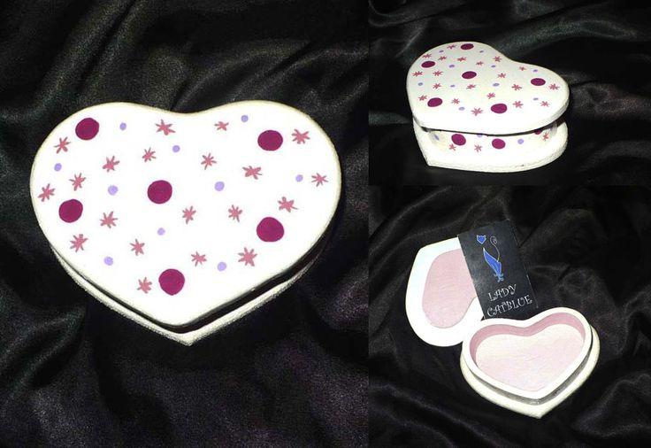 Caja corazón blanco 10x7 cm.