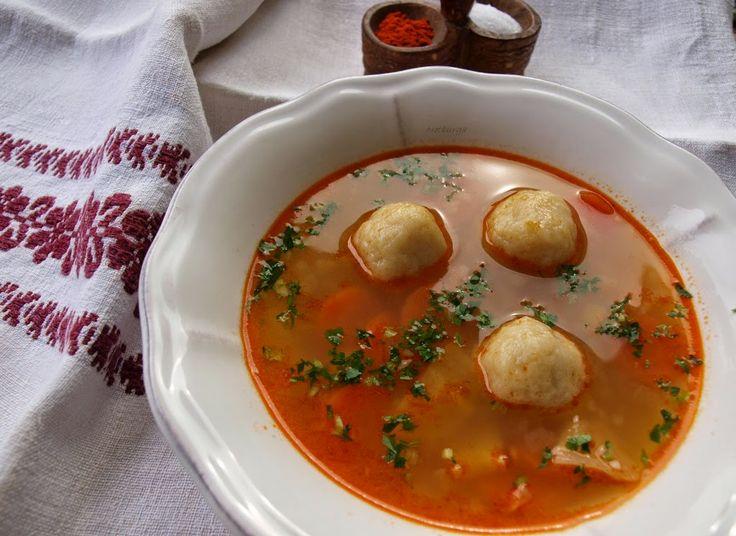 NOTBURGA KONYHÁJA, avagy mi kerül a fazékba és más zöldségek: Gölödin, illetve krumpligombóc leves/Kartoffelknöd...