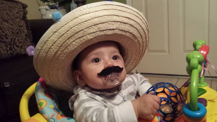 I bought my nephew a mustache pacifier 2 weeks ago, he finally likes it! There was also a Mexican independence festival in town today so my sister bought him a sombrero! Baby Mateo is a cutie! !