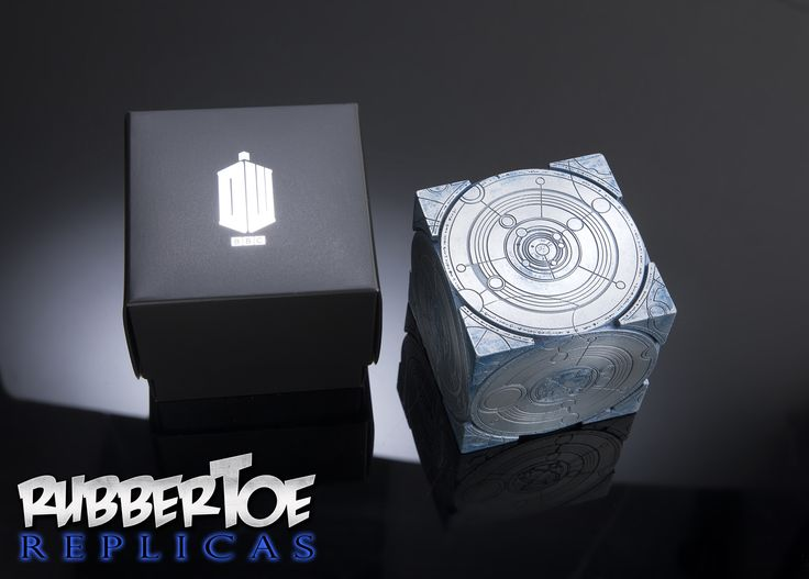 Doctor Who TARDIS Siege Mode Cube | GeekAlerts... Makes a perfect X-mas gift for your favorite Whovian!