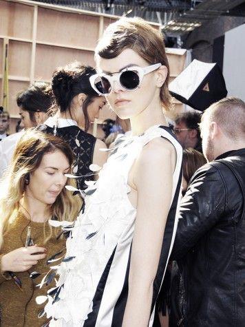 used-19-june-erdem-linda-farrow-ss14-london-fashion-week-backstage-sunglasses