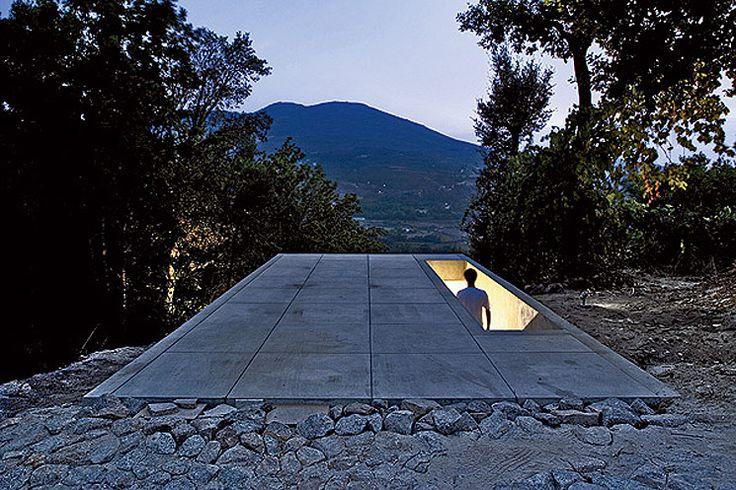 Entrance to La Casa Tólo, Portugal by Arquitecto Álvaro Leite Siza