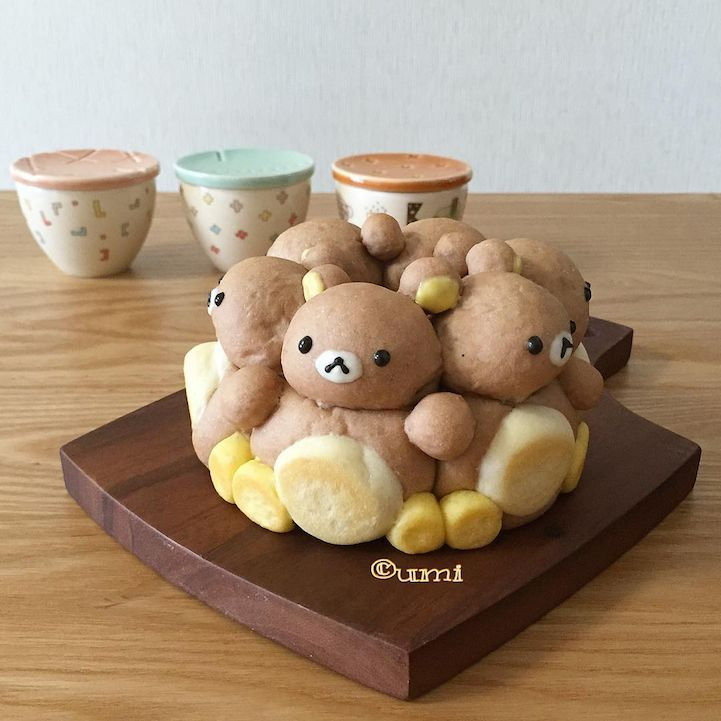 In Japan, three-dimensional character bread, commonly known as chigiri-pan, is becoming a popular sight on Instagram. With good reason, too—the edible sculptures are totally adorable! One account that's taking part in this trend is うみ, or @umi0407, an artisan baker who models their creations after cartoon figures like Snoopy, Garfield, the Moomins, and Winnie the Pooh. At first glance, some of Umi's handiwork doesn't immediately resemble bread. Instead of the typical large loaf shape…