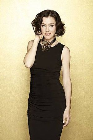 Tina Arena French bob hair styles brunette short hair