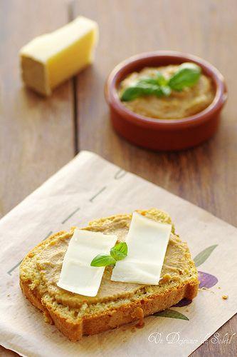Un dejeuner de soleil: Cake au caviar d'aubergines et comté- Cake al caviale di melanzane e comté