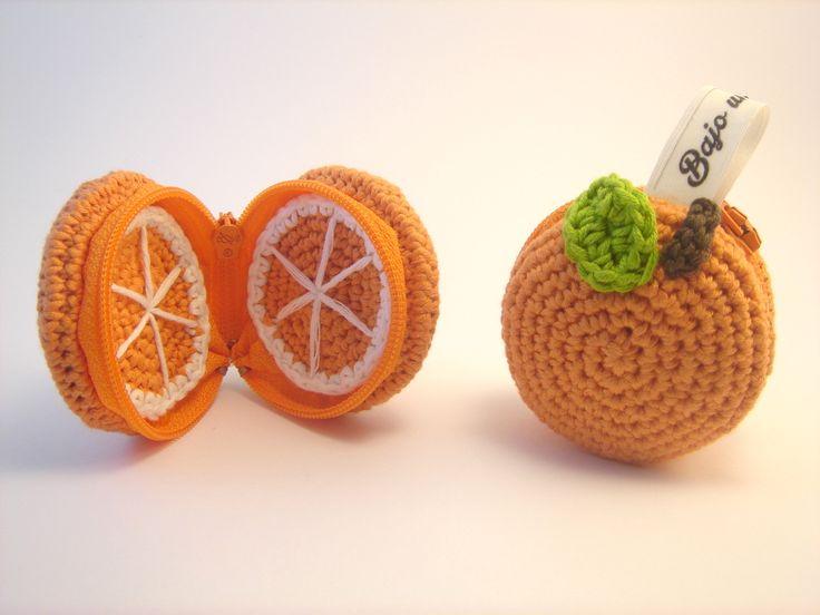 Monedero naranja hecho con algodón Natura de DMC