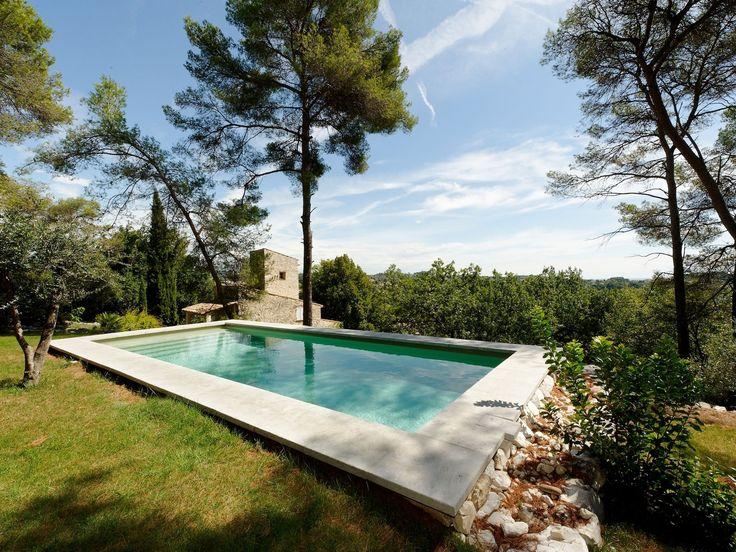 25 best ideas about largeur escalier on pinterest rail - Revetement piscine pierre naturelle ...