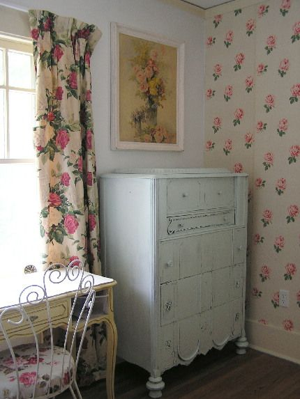 sewing room 1940s wallpaper not fun to hang freebie furniture u0026 vintage curtains