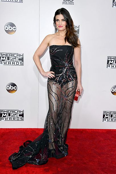 AMAs 2016 Red Carpet Arrivals: See the Photos | Idina Menzel | EW.com