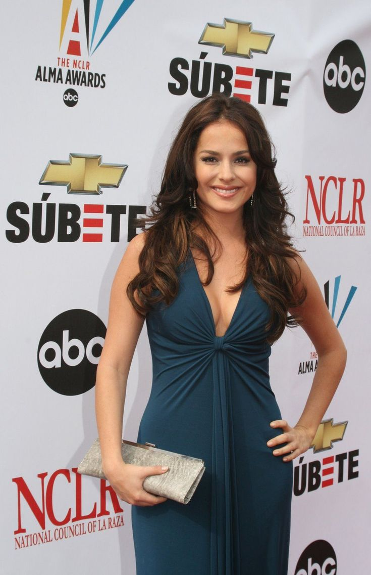 http://www.theplace2.ru/archive/danna_garcia/img/1-205.jpg