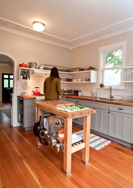 25 Best Ideas About Small Kitchen Islands On Pinterest Small Kitchen With Island Kitchen Island With Stools And Small Island