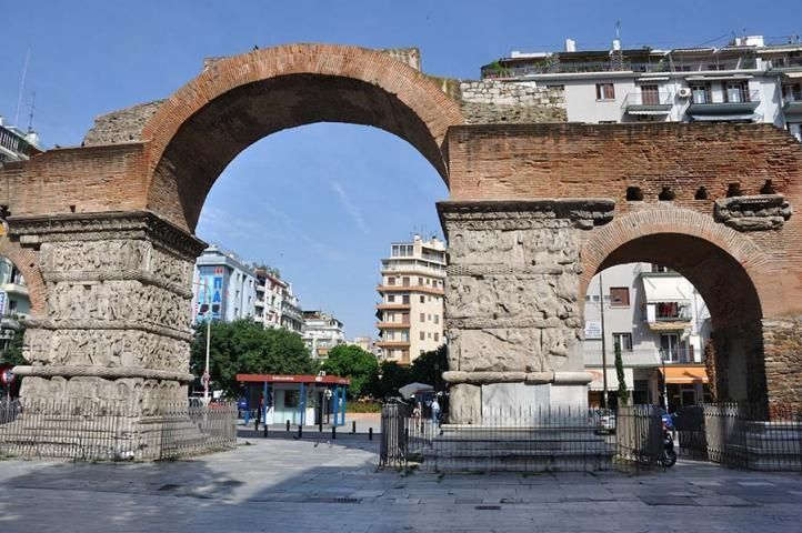 The well known Kamara, one of Thessaloniki's most famous monuments, constitutes a characteristic meeting spot for city's inhabitants and visitors, situated at the junction of Egnatia and Dimitriou Gounari Street. Kamara is a triumphal arch, built by the end of the 3rd century or the early 4th, in honor of Caesar Galerius, one of the four princes of the vast Roman Empire and more specifically the local governor of the Balkan Peninsula, who decided to settle in Thessaloniki in 299....