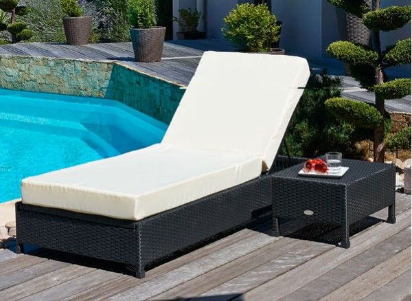 1000 id es propos de chaises longues de piscine sur pinterest lit de patio am nagement. Black Bedroom Furniture Sets. Home Design Ideas