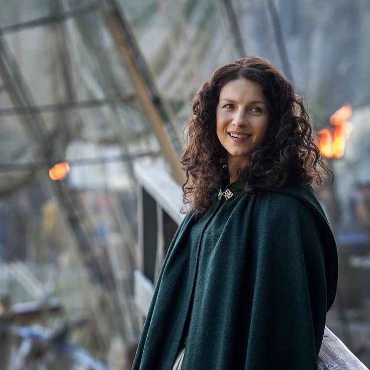 *New* Still of Caitriona Balfe as Claire Fraser in Outlander Season 2   2 comments