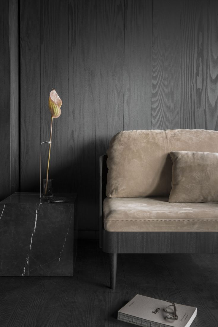 MENU SS18   Plinth, Septembre Sofa and the Stem Vase